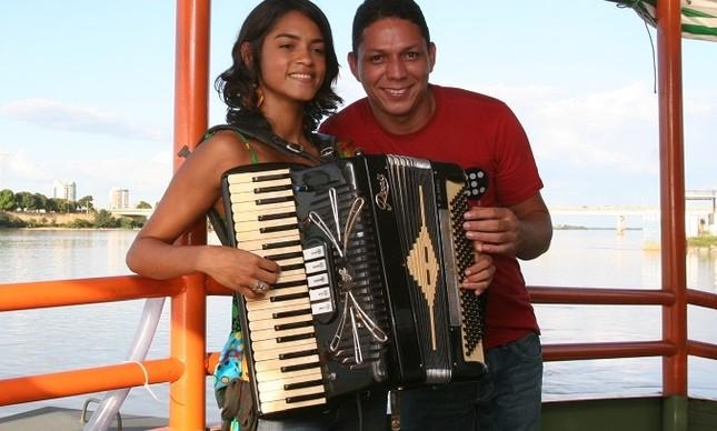 Targino Gondim, na foto com Lucy Alves,  está a frente do O VII Festival Internacional da Sanfona