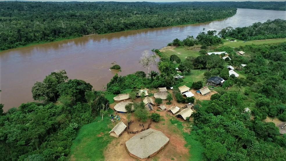 Comunidade Palimiú, na Terra Indígena Yanomami, fica às margens do rio Uraricoera — Foto: Alexandro Pereira/Rede Amazônica