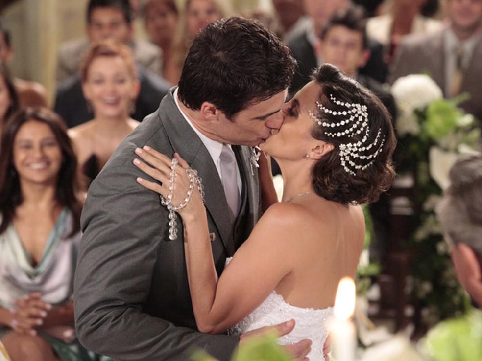 Juan e Letícia se casam — Foto: Globo