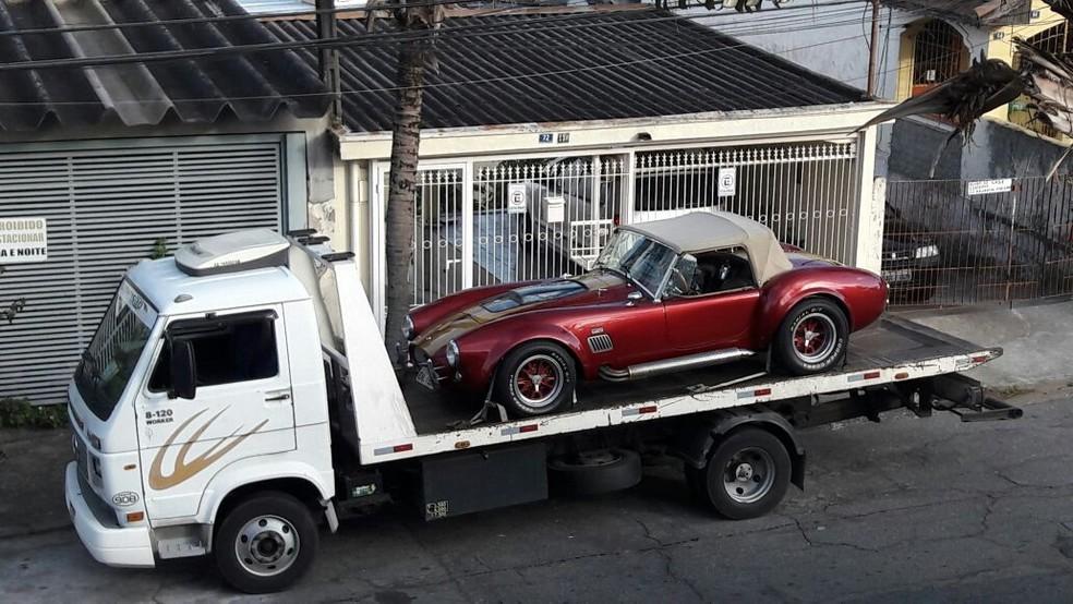 Carro de luxo é apreendido em Cotia após prisão de Laerte Codonho, dono da fabricante de refrigerantes Dolly (Foto: Arquivo Pessoal)