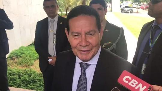 Mourão diz que 'único problema de Flávio Bolsonaro é o sobrenome'