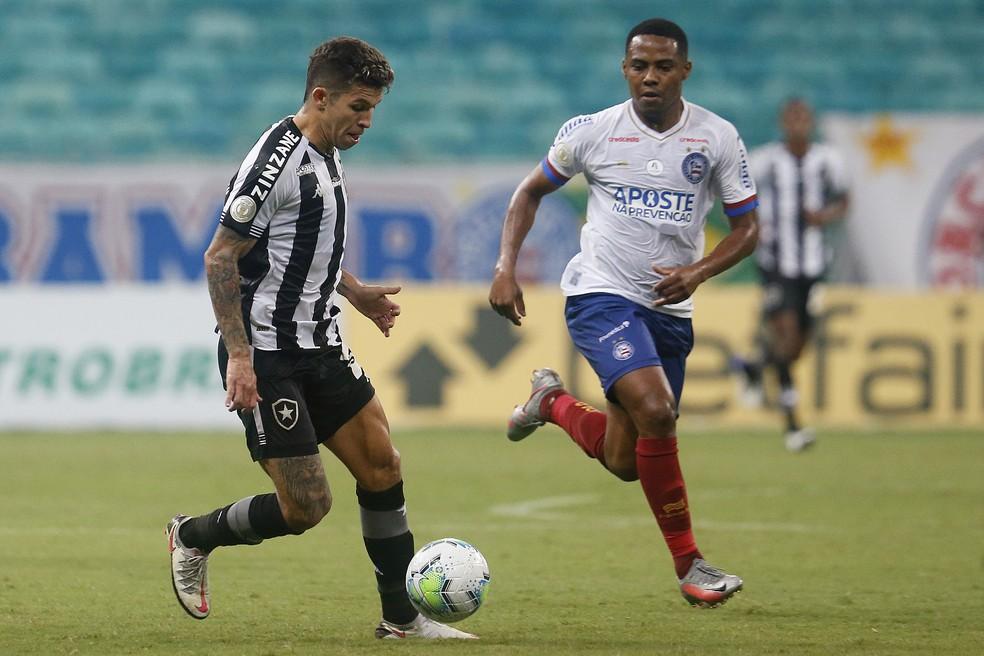 Bruno Nazário teve a melhor chance do Botafogo no primeiro tempo com um chute para fora — Foto: Vitor Silva/Botafogo