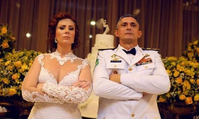 A deputada Carla Zambelli e o coronel Antônio Aginaldo de Oliveira, diretor da Força Nacional