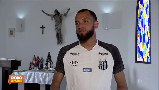 Everson lutou e rezou muito para superar problema na infância; Santos enfrenta o Grêmio