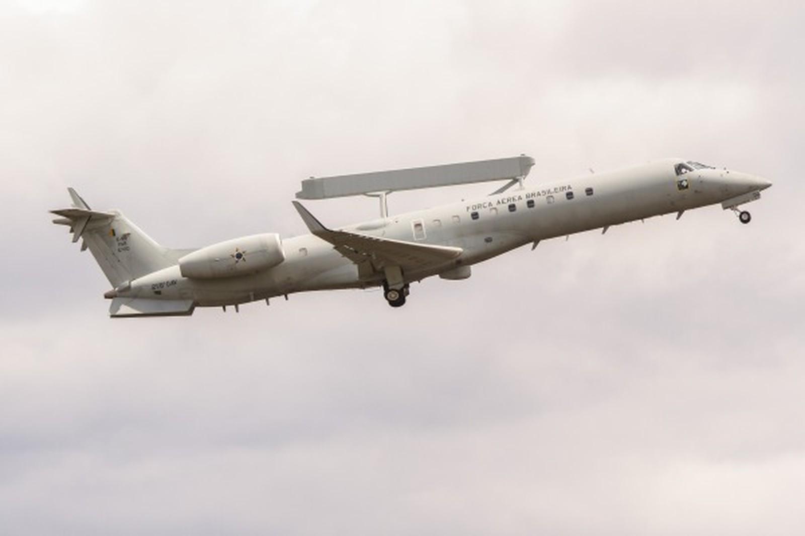 Aeronave modelo E-99 usado para impedir avião com ilícitos sem plano de voo (Foto: FAB/Divulgação)