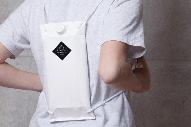 """A Pikpak, """"mochila"""" para bebida ema embalagem de tetra pak (Foto: Divulgação)"""