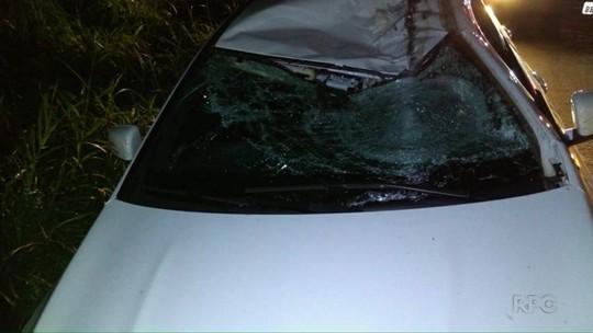 Motorista morre após roda de caminhão se soltar e atingir carro