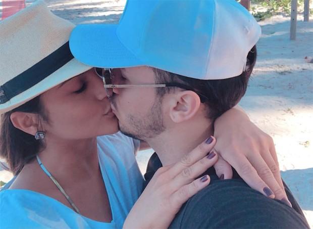 Mileide Mihaile e o namorado, Wallas Arrais (Foto: Reprodução/Instagram)