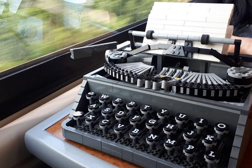 Fãs de LEGO criam cidades, objetos e até carros como você nunca viu (Foto: Steve Guinness)