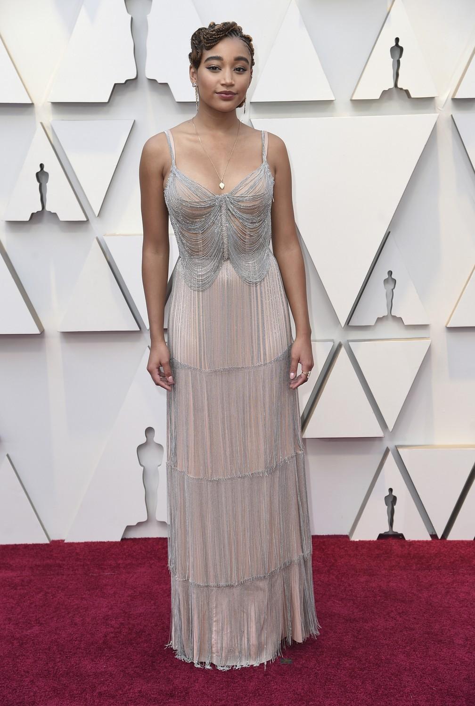 A atriz Amandla Stenberg posa no tapete vermelho do Oscar 2019 — Foto: Richard Shotwell/Invision/AP