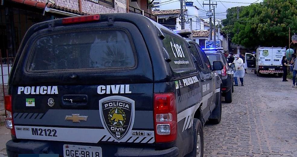 Corpo foi encontrado dentro de kitnet já em estado de decomposição, em Ponta Negra, Zona Sul da capital — Foto: Reprodução/Inter TV Cabugi