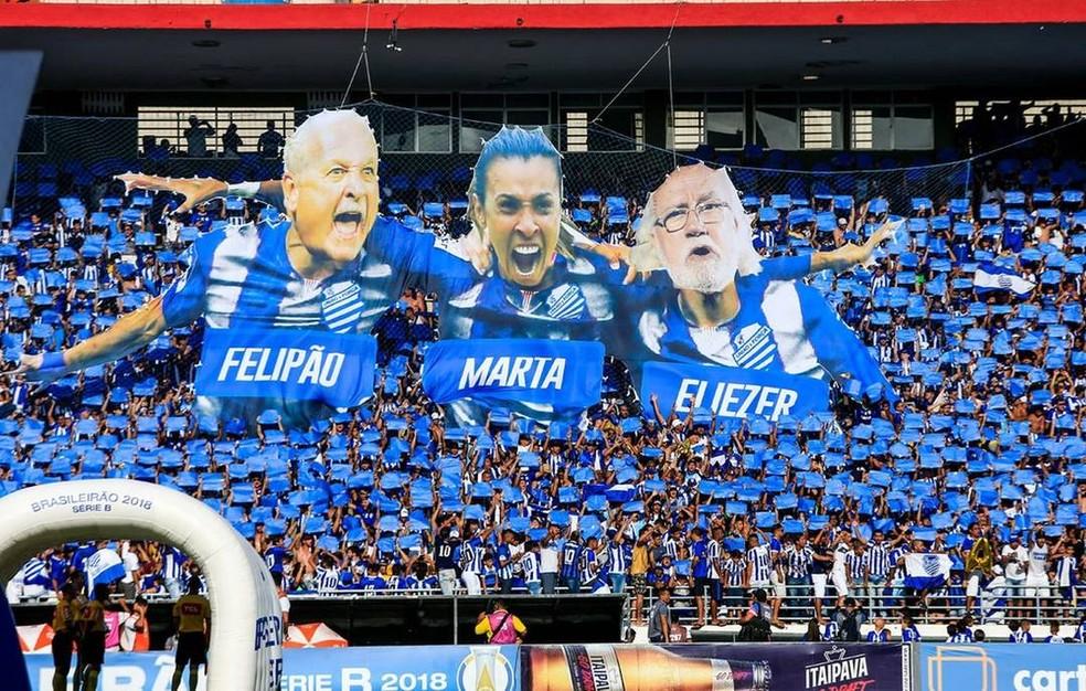 Felipão já ganhou até mosaico da torcida do CSA no Rei Pelé — Foto: Ailton Cruz/Gazeta de Alagoas
