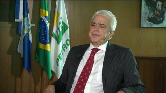 Presidente da Petrobras diz que espera arrecadar US$ 15 bilhões com venda de refinarias