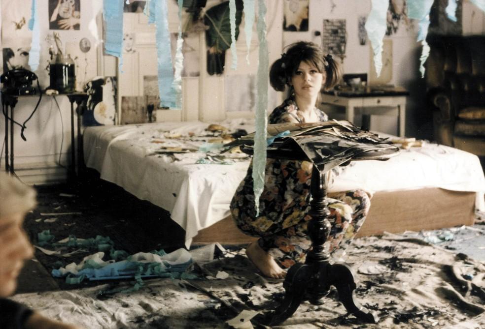 """Cena do filme """"Pequenas margaridas"""" (1966), da cineasta tcheca Věra Chytilová — Foto: Divulgação"""