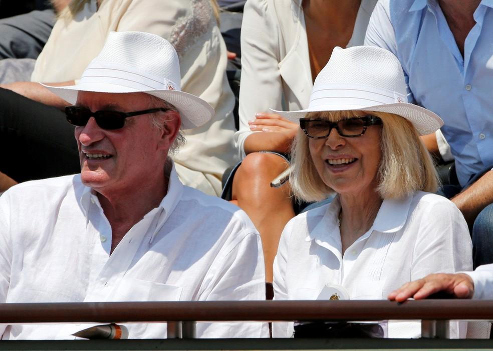 Mireille Darc com o marido, Pascal Desprez  (Foto: REUTERS/Jean-Paul Pelissier/File Photo)