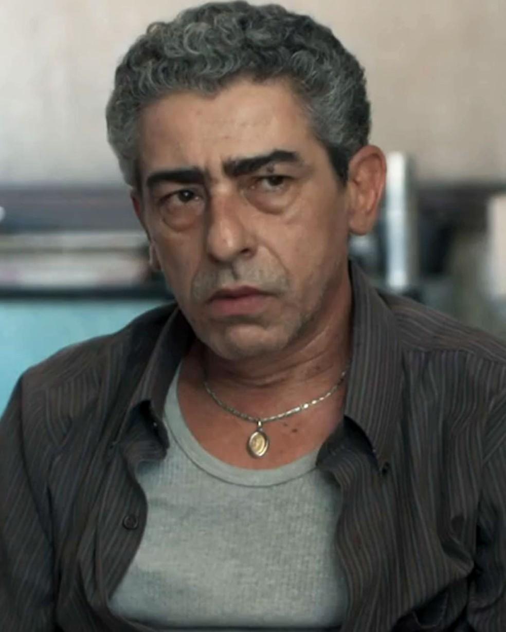 Aldo (Claudio Jaborandy) fala de briga com Tato (Matheus Abreu) em 'Malhação - Viva a Diferença' — Foto: Globo