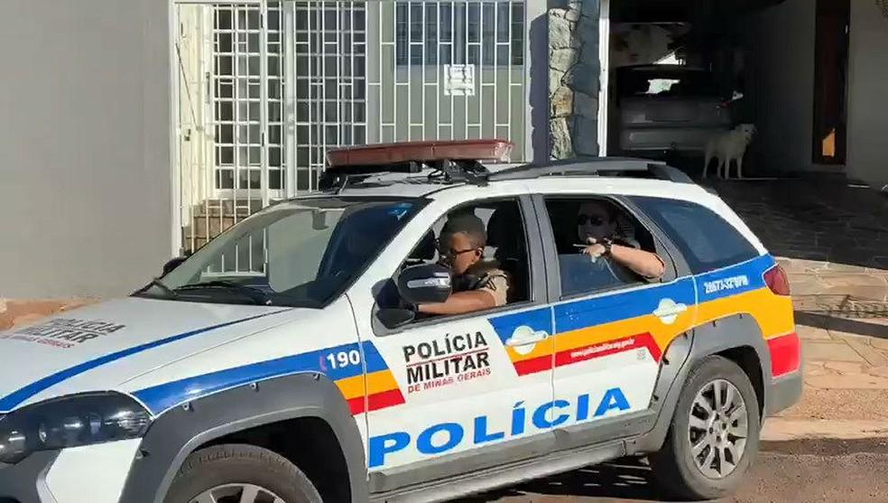 Momento da prisão do Vereador Alexandre Nogueira, que cumpria prisão domiciliar por outros crimes — Foto: Arcênio Correa/G1