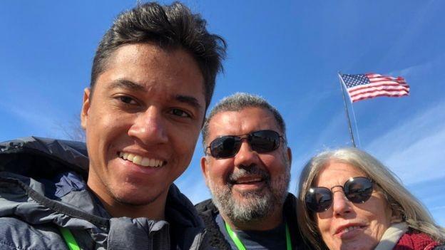 O executivo Murilo Queiroz se mudou para os Estados Unidos junto com a mulher e o filho, de 19 anos (Foto: Arquivo Pessoal/ via BBc News Brasil)