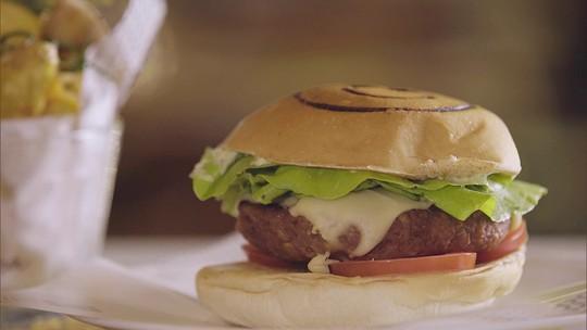 Conheça o hambúrguer do futuro, feito de vegetais