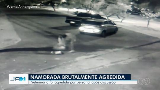 Vídeo mostra quando personal trainer dá chutes e bate várias vezes cabeça da namorada contra o chão, em Goiânia