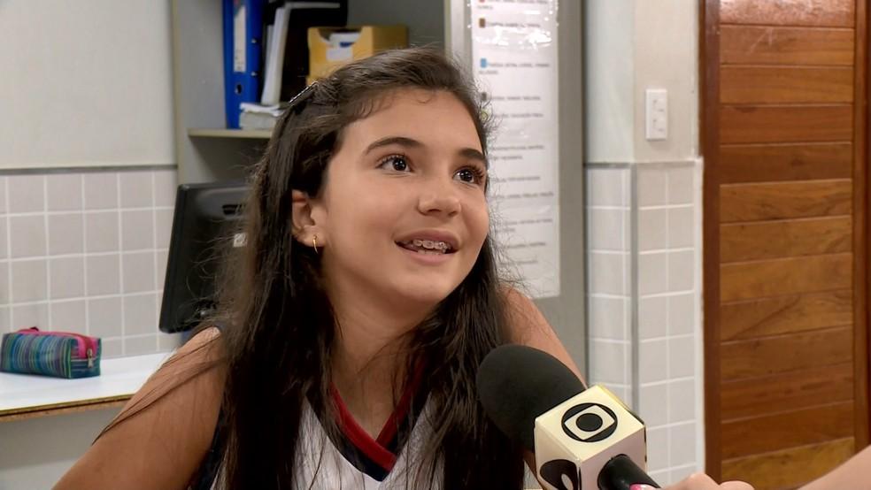 Estudante Sionara Nossa sentiu que melhorou nos estudos — Foto: Reprodução/TV Gazeta