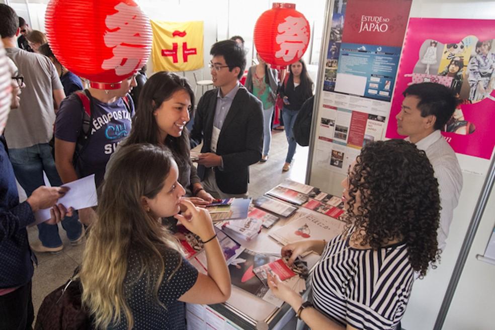 Público vai poder participar de atividades no estandes de educacional internacional — Foto: Beto Monteiro/Secom Unb