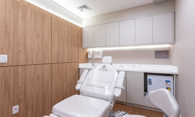 Sala de atendimento em clínica da Face2Face