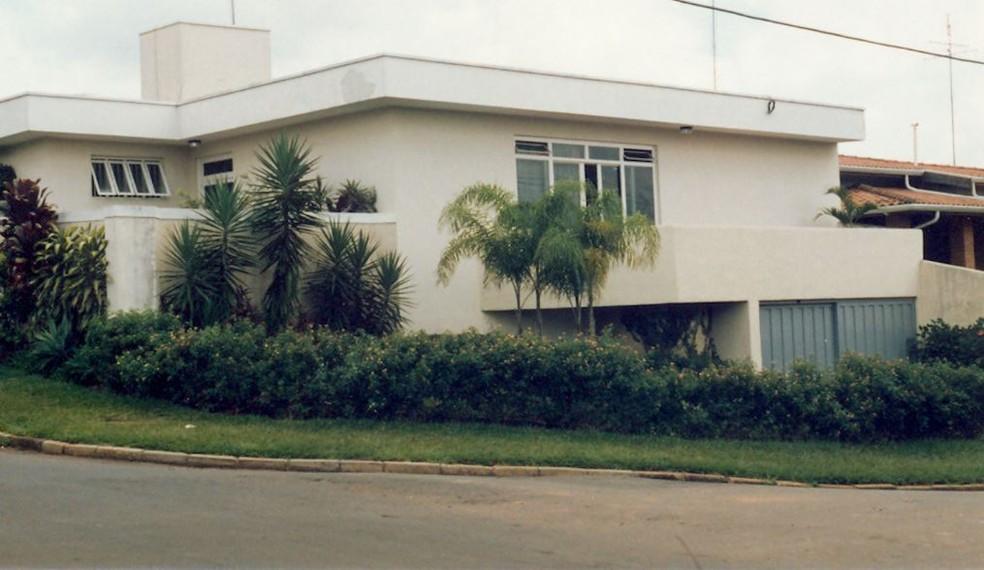 Casa onde laboratórios do futuro LNLS funcionavam em quartos, na cozinha e garagem (Foto: Divulgação/CNPEM)