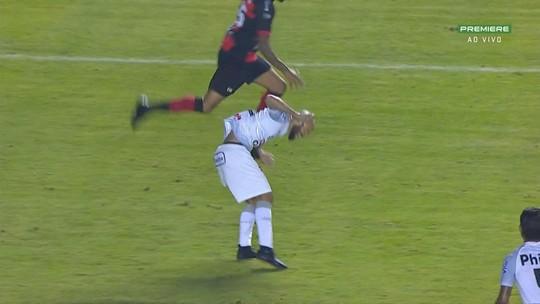 Zuñiga da Série B? Volante do Oeste é expulso após lance idêntico ao que tirou Neymar da Copa de 2014