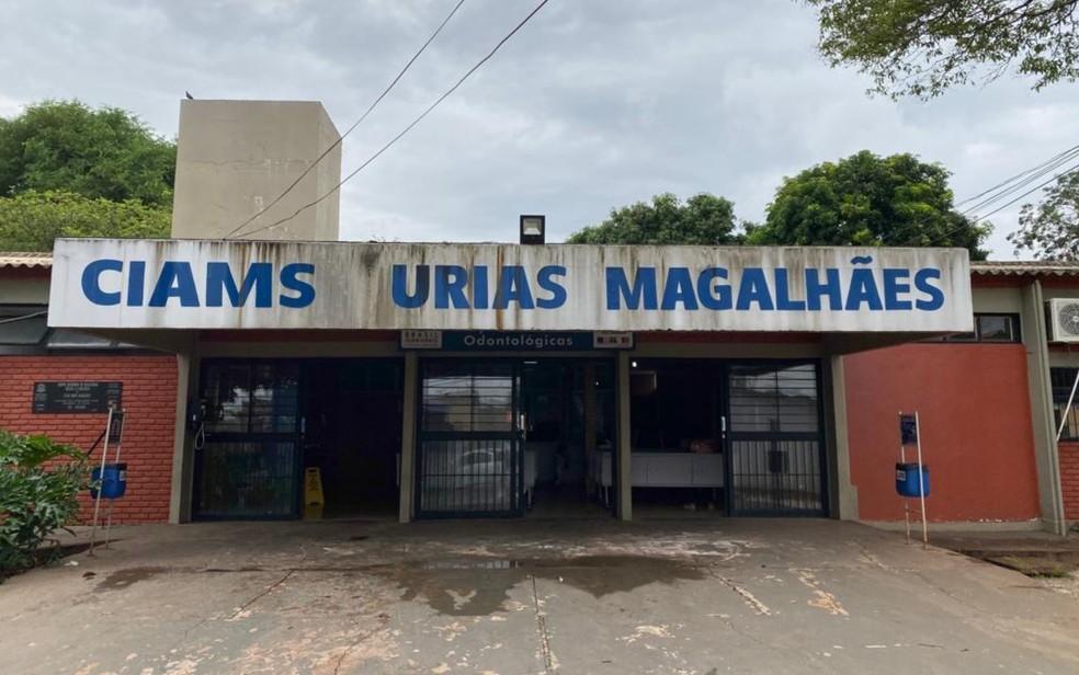 Cais Urias Magalhães, em Goiânia, Goiás, onde cachorro espera pelo dono, que morreu no local — Foto: Lis Lopes/G1