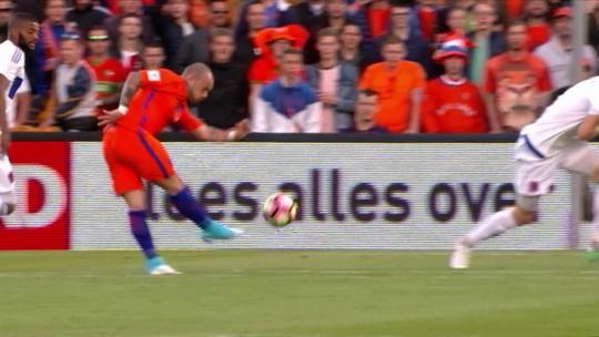 Sneijder, Giroud, Chamberlain, Insigne e Toivonen. Vote na pintura do exterior