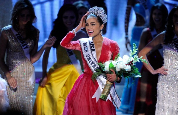 Olivia Culpo em 2012 como Miss Universo (Foto: Getty Images)