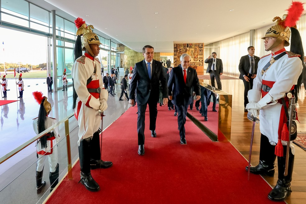 O presidente Jair Bolsonaro e o presidente do Chile, Sebastián Piñera, durante encontro no Palácio da Alvorada — Foto: Marcos Corrêa/Presidência da República