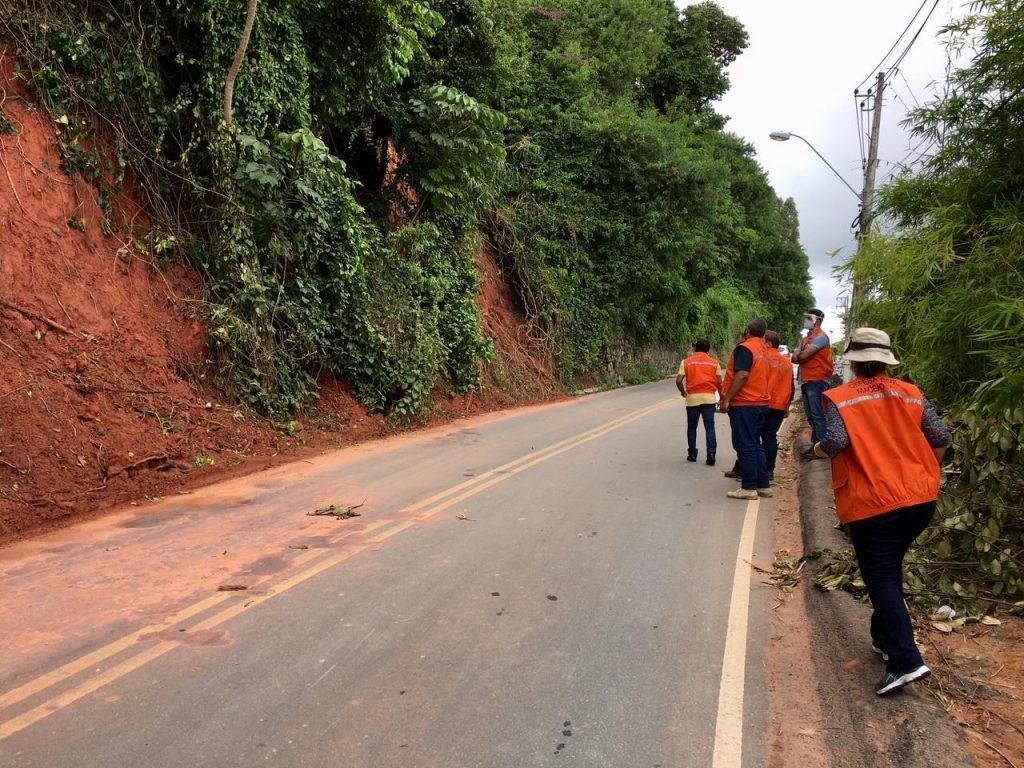 Após interdição total de ladeira, SMTT divulga rotas alternativas para o trânsito em Fernão Velho, Maceió