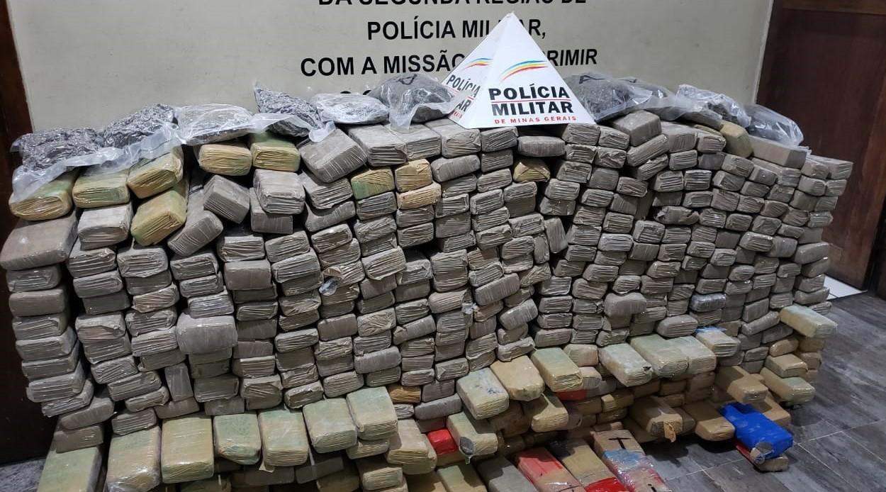PM apreende mais de 800 kg de maconha vinda do Paraguai em casa na Região Oeste de BH