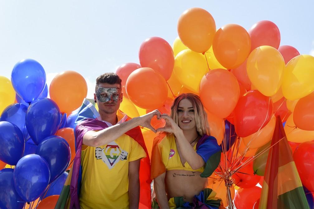 -  Ativistas albaneses participam do   39;Tirana Gay Pride  39; para marcar o Dia Internacional contra Homofobia, Transfobia e Bifobia, em Tirana, na Al