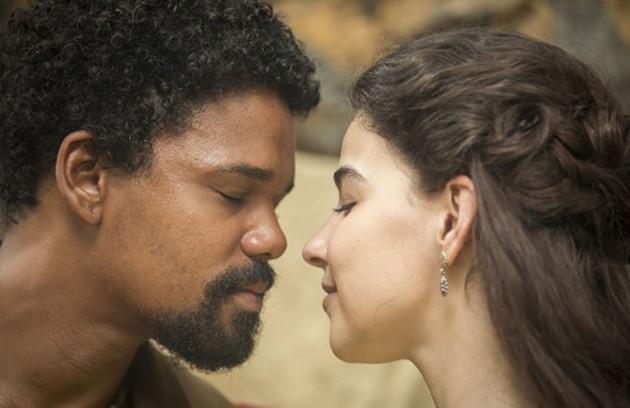 Nos capítulos desta semana de 'Nos tempos do Imperador', Samuel e Pilar se reconciliarão depois de anos. Tudo acontecerá depois de um grande susto, no entanto. Confira a seguir:    (Foto: TV Globo)