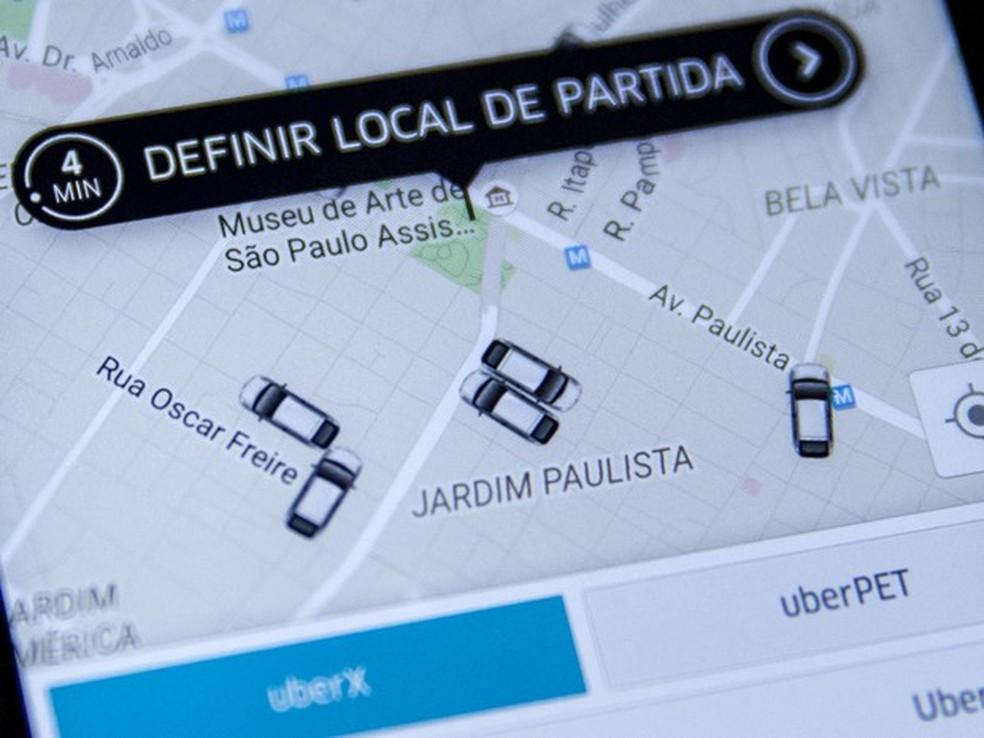 -  Tela do aplicativo de celular Uber em São Paulo, na região da Avenida Paulista  Foto: Marcelo Brandt/G1