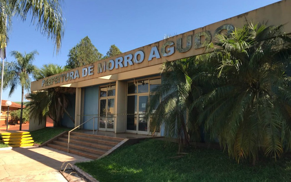 Prefeitura de Morro Agudo foi lacrada por determinação da Justiça durante a Operação Eminência Parda — Foto: Luis Corvini/EPTV