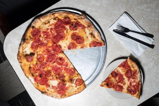 19 lugares incríveis para comer pizza em Nova York (Foto: Diane Sooyeon Kang)