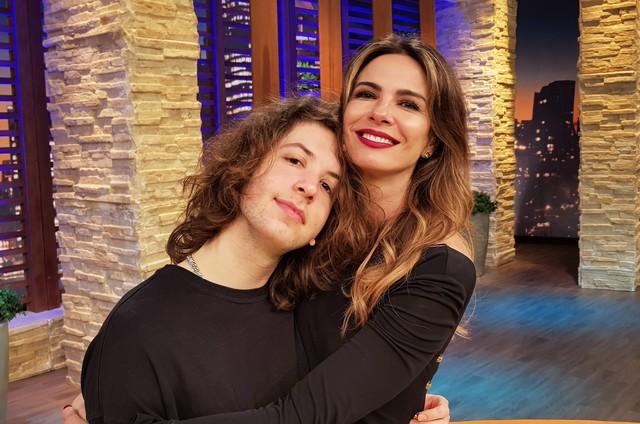Luciana Gimenez com o filho, Lucas (Foto: Divulgação/RedeTV!)