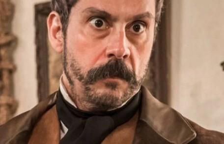 Na quinta-feira (16), Dolores decide contar a verdade para a irmã. Tonico, no entanto, arma para que elas não se encontrem e Pilar decide ir para os EUA TV Globo
