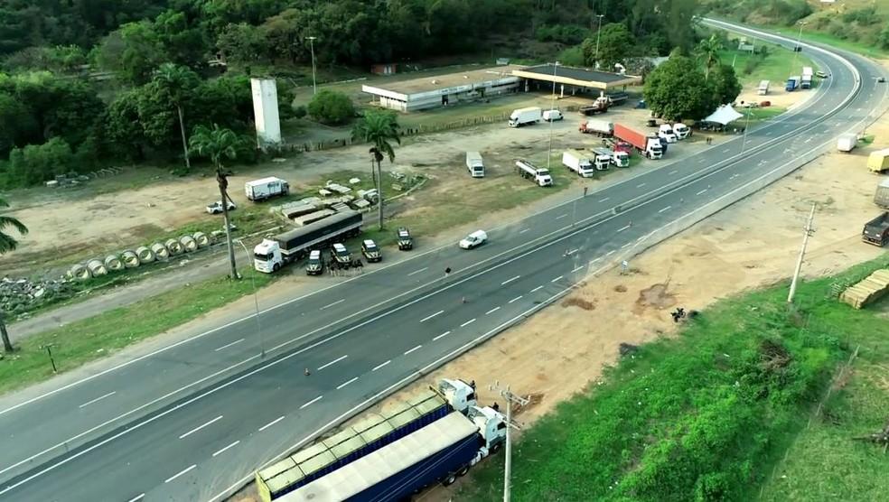 Imagem aérea mostra trecho da BR-262, em Viana — Foto: Reprodução/TV Gazeta