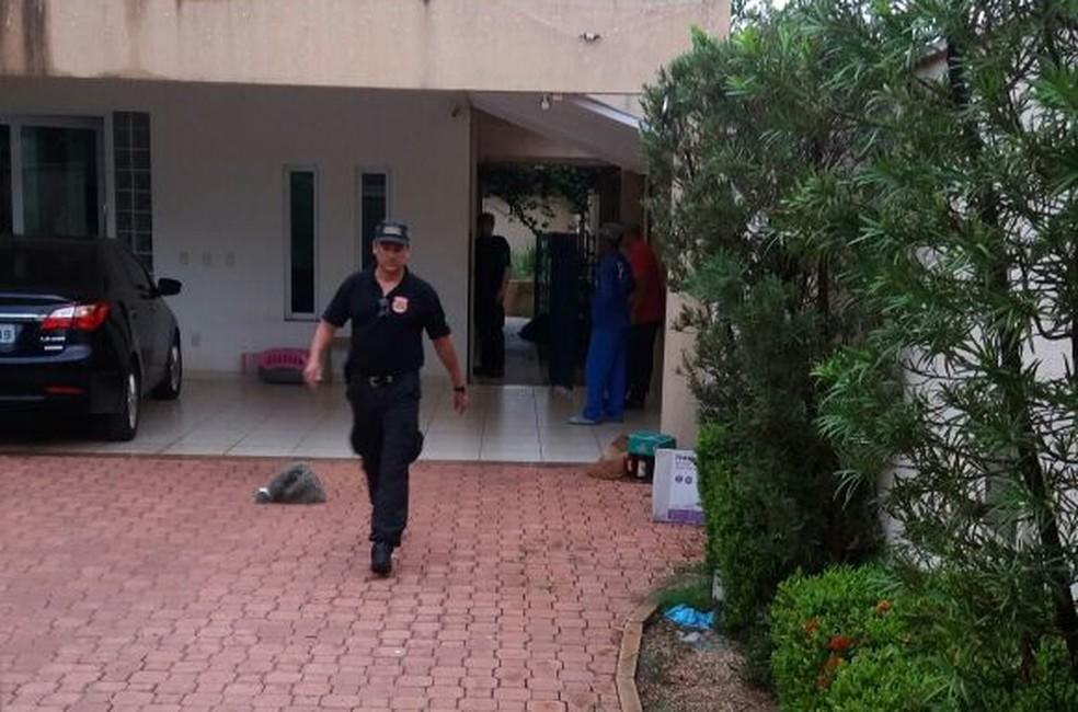 Polícia Federal cumpre mandados em Palmas durante a operação Marcapasso (Foto: Nathália Henrique/G1)