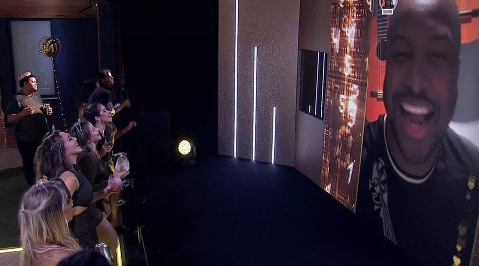 Thiaguinho se apresentou virtualmente no BBB20 — Foto: Globo
