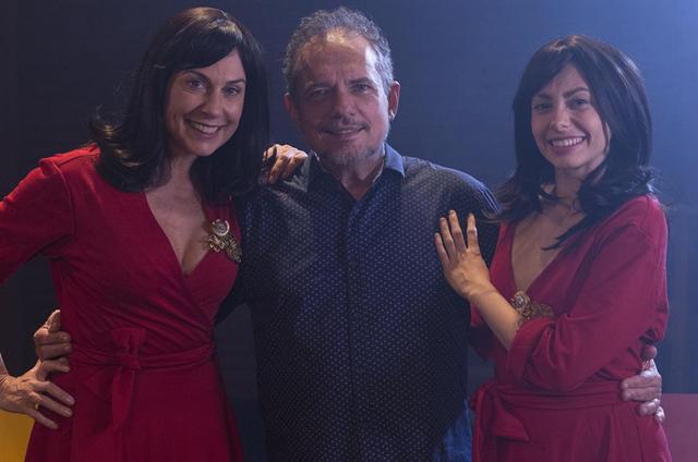 João Falcão entre Angela Dippe e Luísa Vianna (Foto: Raony Melo)