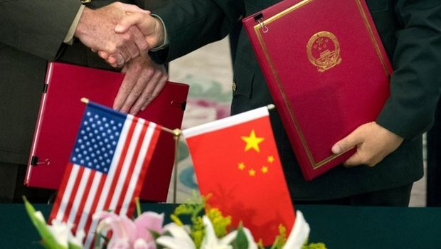 Alguns analistas já questionam se disputa tecnológica configura uma nova Guerra Fria, desta vez entre EUA e China (Foto: Getty Images via BBC News)