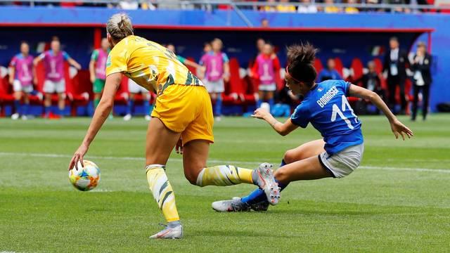 Barbara Bonansea marca gol da itália na copa do mundo feminina