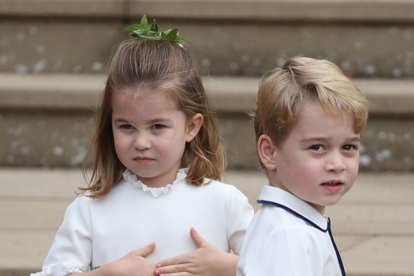 O Príncipe George e a Príncesa Charlotte, filhos do Príncipe William com a duquesa Kate Middleton (Foto: Getty Images)