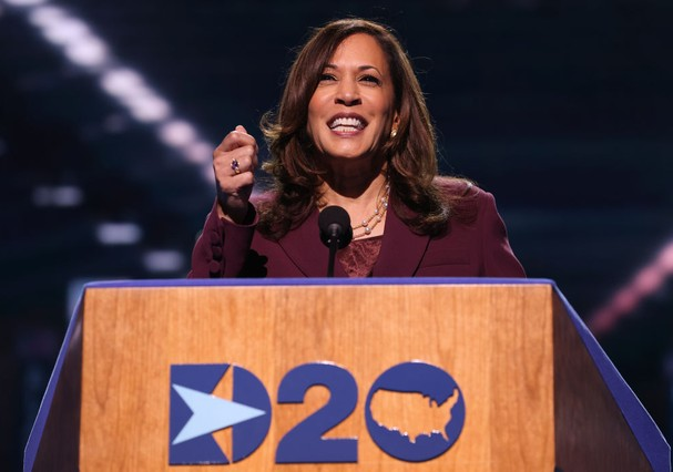 WILMINGTON, DELAWARE - AUGUST 19: Democratic vice presidential nominee U.S. Sen. Kamala Harris (D-CA) speaks on the third night of the Democratic National Convention from the Chase Center August 19, 2020 in Wilmington, Delaware. The convention, which was  (Foto: Getty Images)
